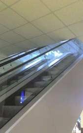 Escada para o teto. Serve para o que mesmo?!